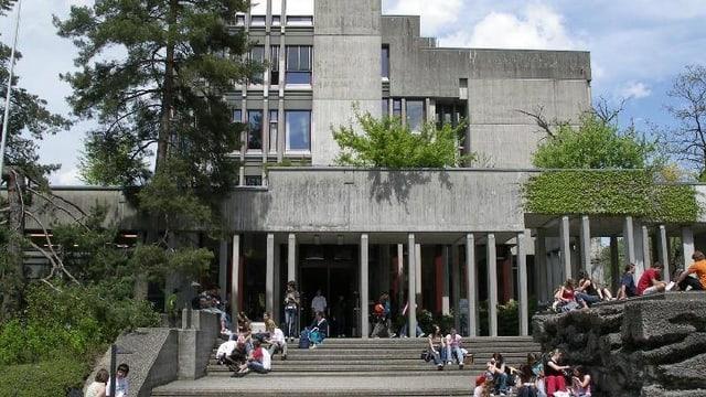 Die Kantonsschule in Wattwil.