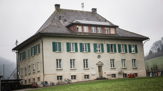 Das Schulhaus in Schafhausen