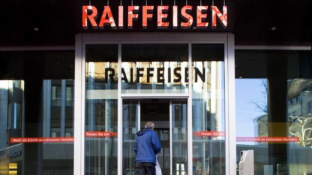 Entrada da filiala tar Raiffesen