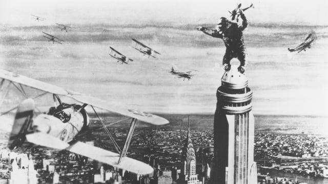 Schwarzweisses Szenenbild aus dem Original King Kong von 1933.