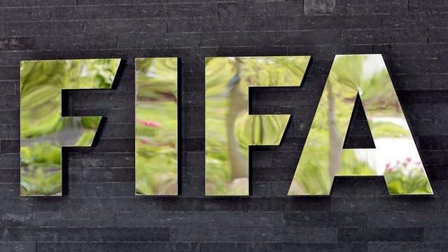 Il logo da la Fifa a la sedia principala a Turitg.