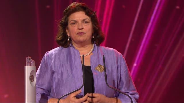 Christine Bär-Zehnder am Rednerpult.