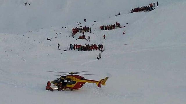 Accident da lavinas en las Alps franzosas.