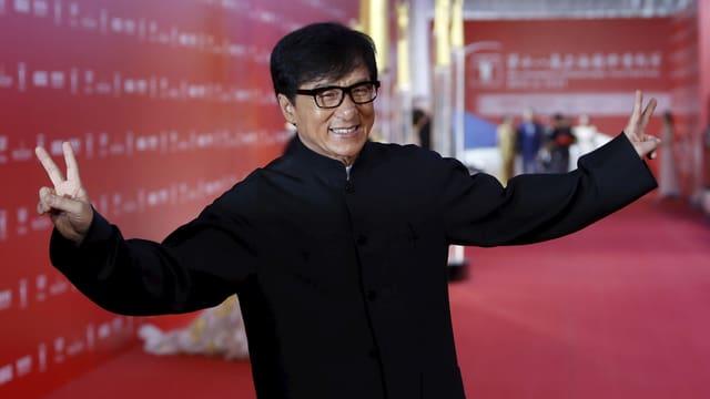 Jackie Chan auf dem roten Teppich.