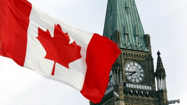 Die kanadische Flagge auf dem Parliament Hill in Ottawa.