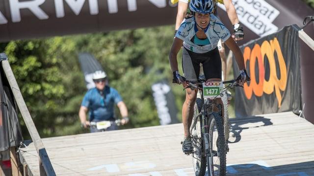 Seraina Riatsch durant il Bike-Maraton.