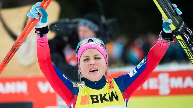 La passlunghista norvegiaisa Therese Johaug sa legra suenter sia victoria a Lai