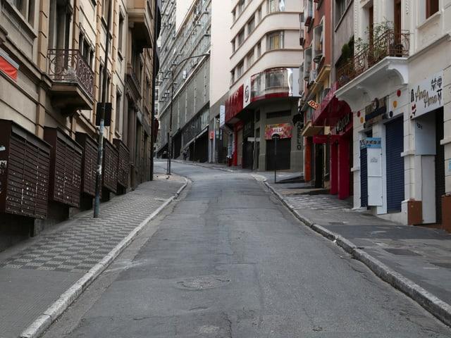 Leere Einkaufstrasse in São Paulo