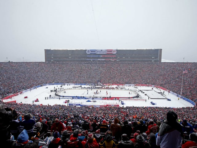 100'000 Zuschauer haben im «Michigan Stadium» von Ann Arbor Platz genommen.