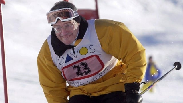 Arnold Koller beim Skifahren
