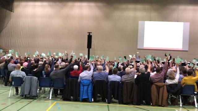 Teilnehmer der Gemeindeversammlung in Sursee.