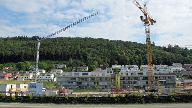 Eine Neubausiedlung in Beringen, wo sich ein Reihenhaus an das andere reiht.