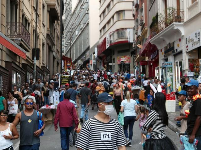 Belebte Einkaufsstrasse Ladeira Porto Geral