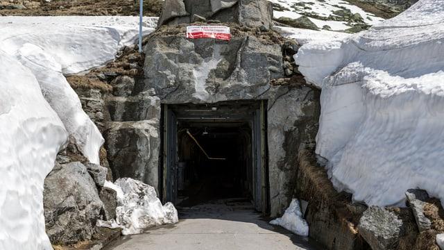 Ein verschneiter Militärbunker