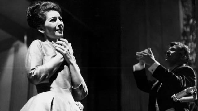 Maria Callas 1963 im Champs Elysee in Paris.