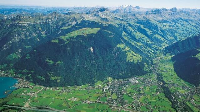 Luftbild des Urner Talbodens