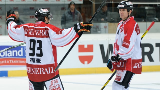Byron Ritchie (links) mit dem Team Canada am Spengler Cup