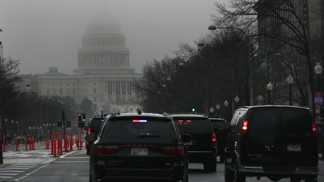 Washingtoner Kapitol im Nebel.