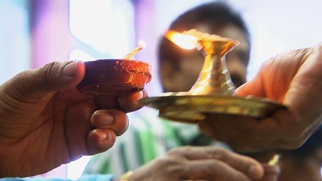 Video «Zum tamilisch-hinduistischen Neujahrsfest am 14. April» abspielen