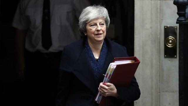 Premierministerin Theresa May gewinnt Misstrauensabstimmung (Artikel enthält Video)