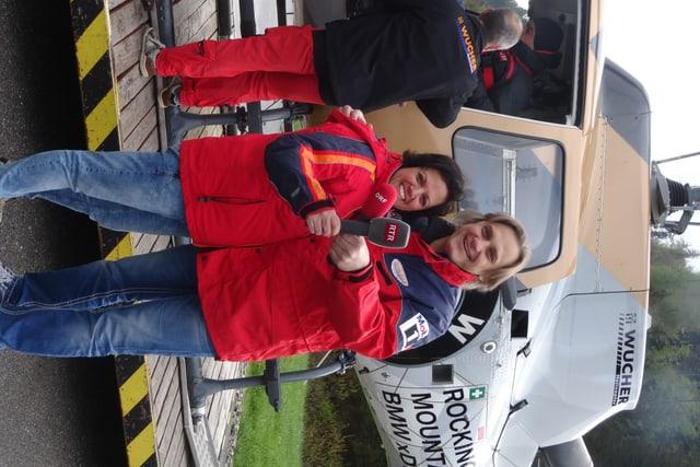 Pronts per il sgol al cunfin: Alice Bertogg (RTR) e Christian Suter (ORF Vorarlberg).