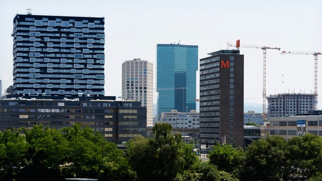 Skyline von Zürich West mit Prime-Tower und anderen Gebäuden