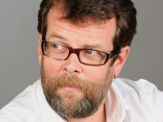 Porträt von Jochen Malmsheimer.