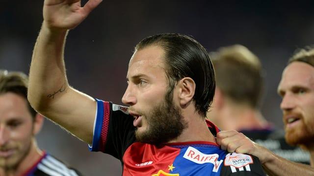 Il giugader dal FCB, Shkelzen Gashi giubilescha suenter ch'el ha sajettà l'ultim gol da la partida al 3:1.