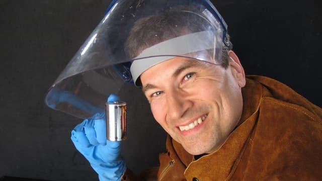 Video «Auf der Suche nach der Superbatterie» abspielen