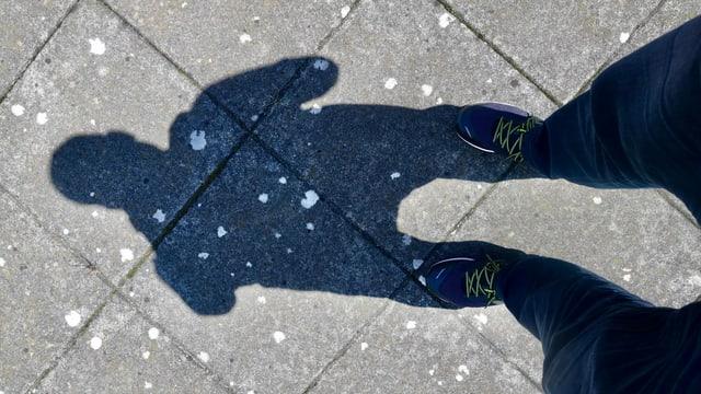 Der Schattenwurf einer 187 Zentimeter grossen Person.