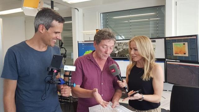 SRF-Reporter bei Insta-Live