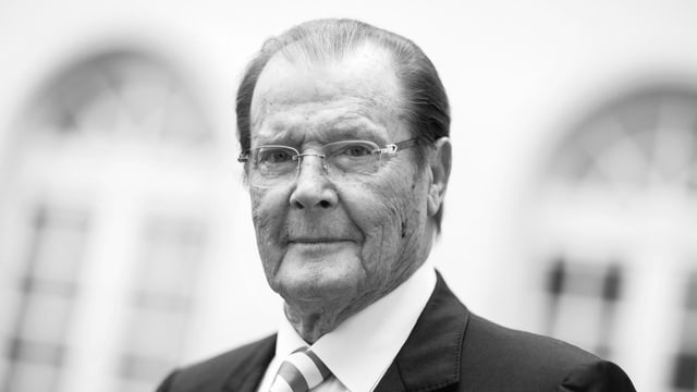 Roger Moore.