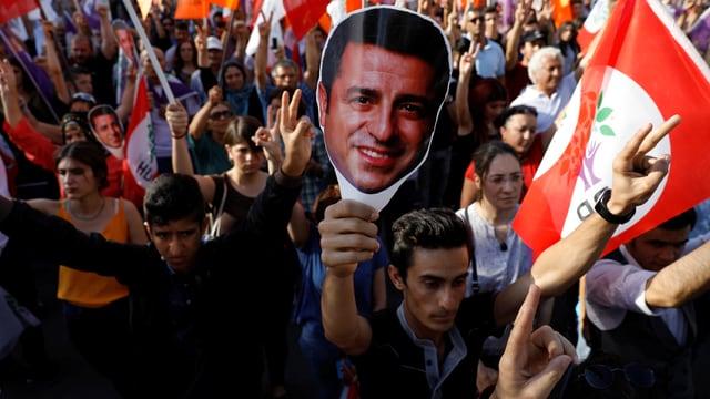 Anhänger des pro-kurdischen Präsidentschaftskandidaten Selahattin Demirtas.