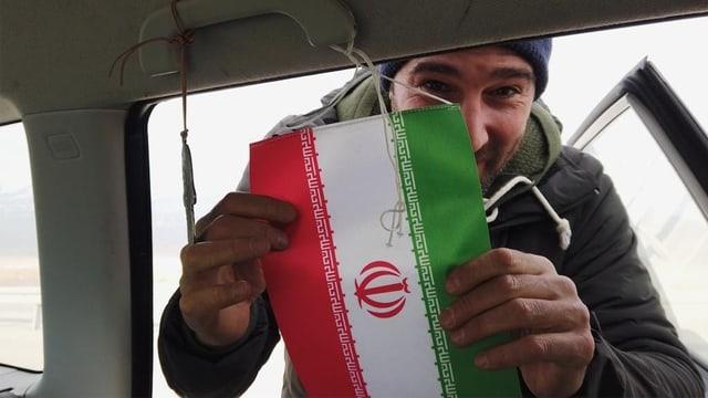 Aus der «DOK»-Serie «Salars Reise in den Iran – Inshallah» (Folge 1): Salar Patrick Bahrampoori kurz vor der iranischen Grenze