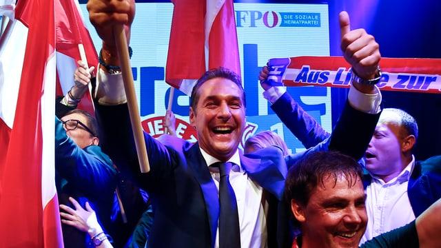 H.C. Strache feiert den Wahlsieg seiner FPÖ.