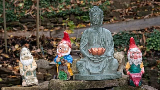 Warum Buddha-Statuen die Gartenzwerge verdrängen