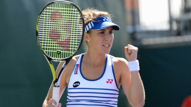 Belinda Bencic sa legra da la victoria.