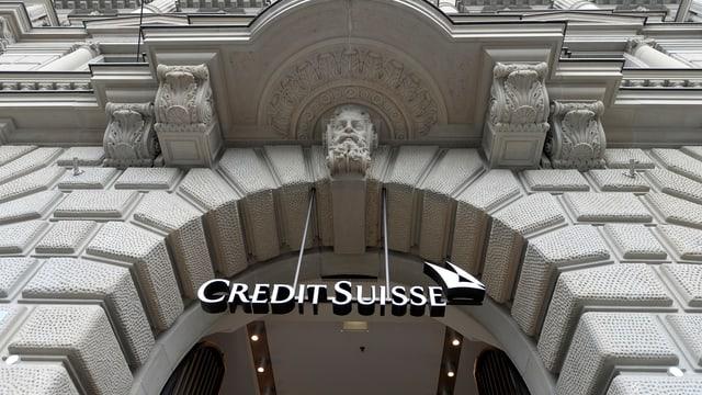 In bajetg da la Credit Suisse - ins vesa mo l'entrada ord la perspectiva da rustg.
