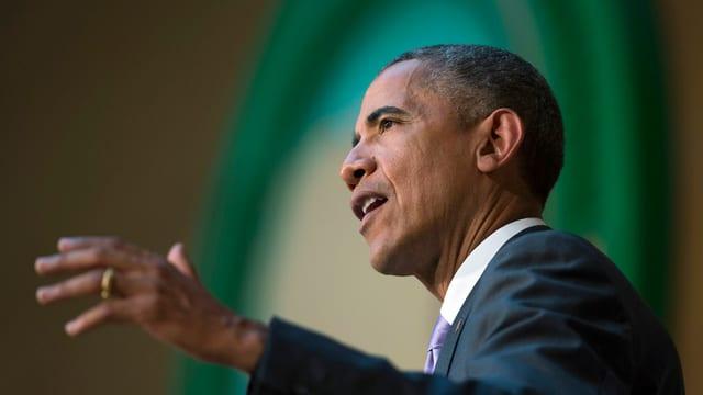 Il president dals Stadis Unids da l'America, Barack Obama avant represchentants da l'Uniun africana ad Addis Aveva.