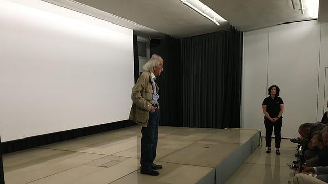Christo rispunda damondas en il forum Würth.