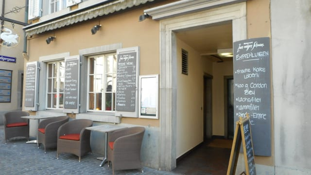 Video «Restaurant Zum weissen Schwan in Zürich - Tag 2» abspielen