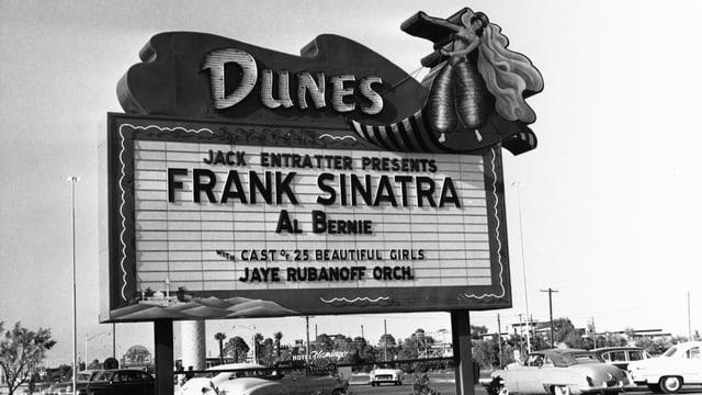 Grosse Tafel in Las Vegas mit Frank Sinatras Name.