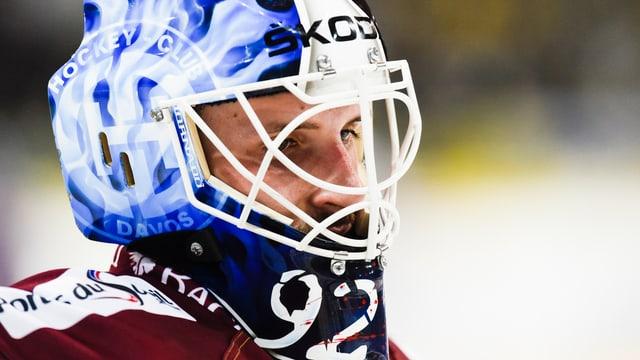 Janick Schwendener unter der Torhüter-Maske.