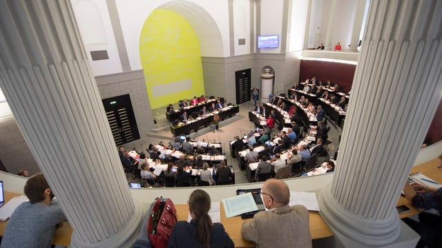 Blick von Tribüne in Kantonsratssaal