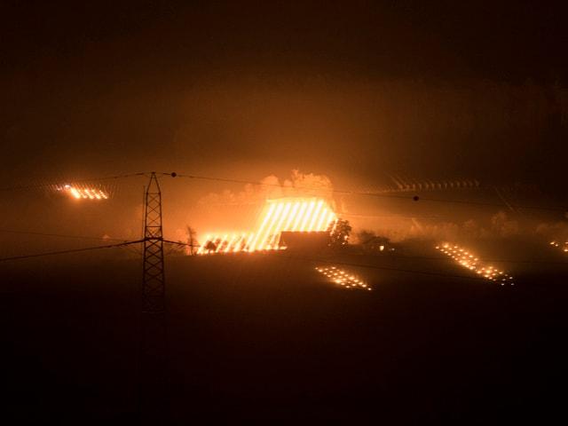 Flammen in Rebbergen.
