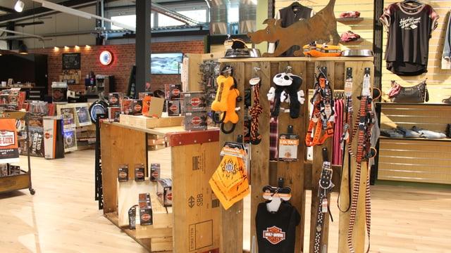 Regal mit Harley-Davidson Hundespielzeug