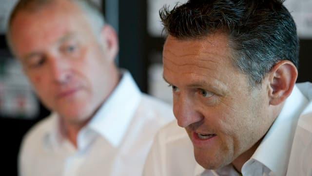 YB-Sportchef Alain Baumann (rechts) und Stefan Niedermaier, CEO Stade de Suisse.