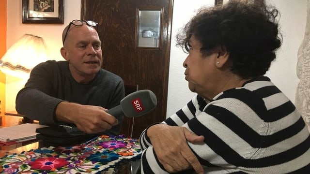 Matthias Kündig macht ein Interview.