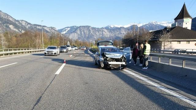 Auto donnegià sin l'autostrada dasper pausadi Heidiland.