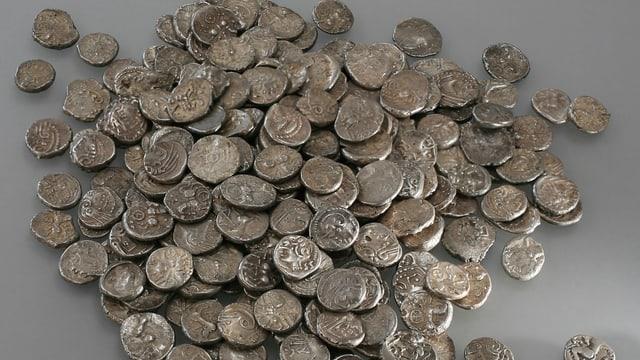 Ein ganzer Haufen keltischer Silbermünzen.